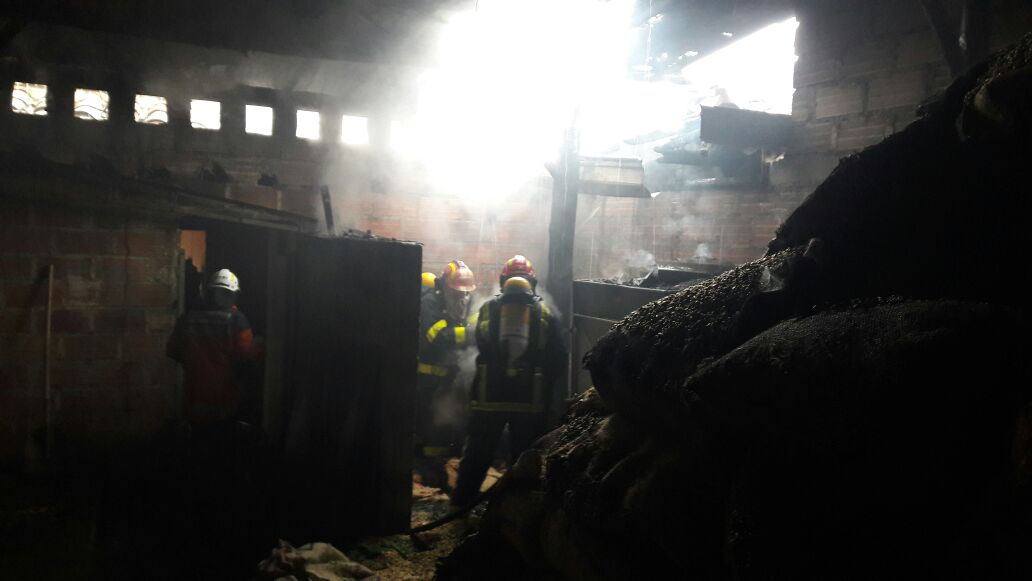 Incendio estructural en Comercializadora de Café de La Ceja