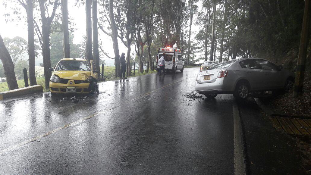 Tres lesionados en accidente de tránsito en la vía La Ceja – La Unión