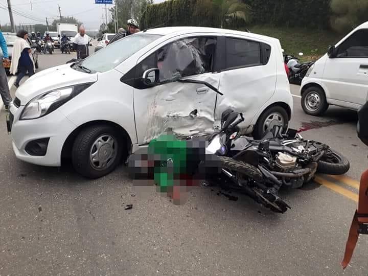Una persona murió y dos más heridas en accidente de tránsito en La Ceja