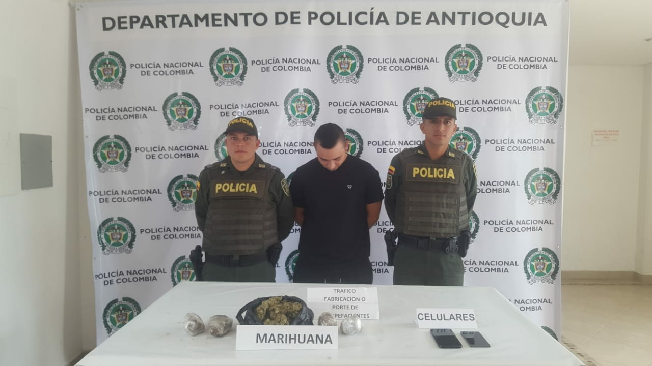 Policia 4