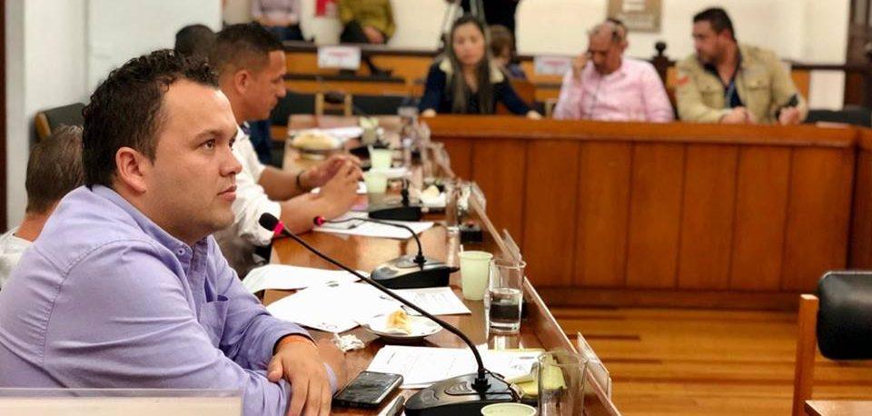 Centro Democrático expulsa a concejal Daniel Castro