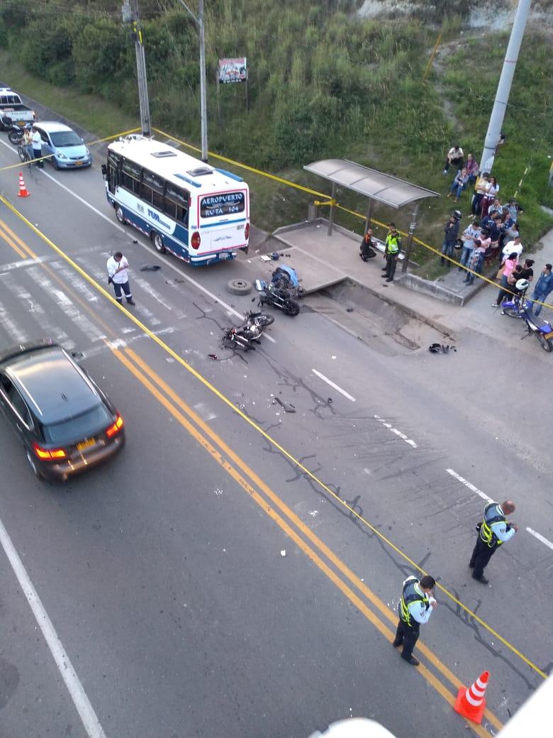Un muerto y dos heridos graves en accidente de tránsito en la vereda La Mosquita
