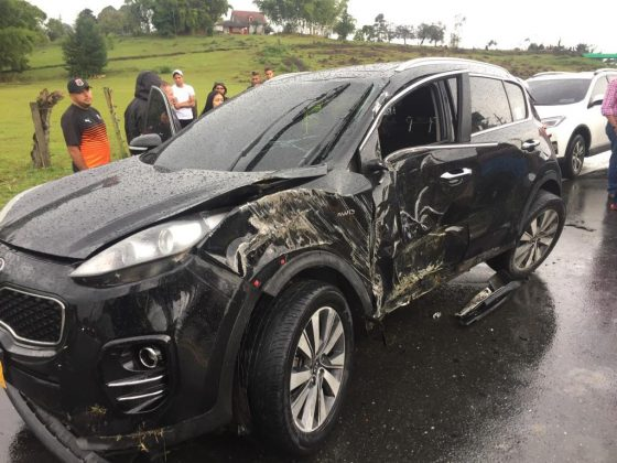 Tres futbolistas del DIM involucrados en accidente de tránsito en Rionegro