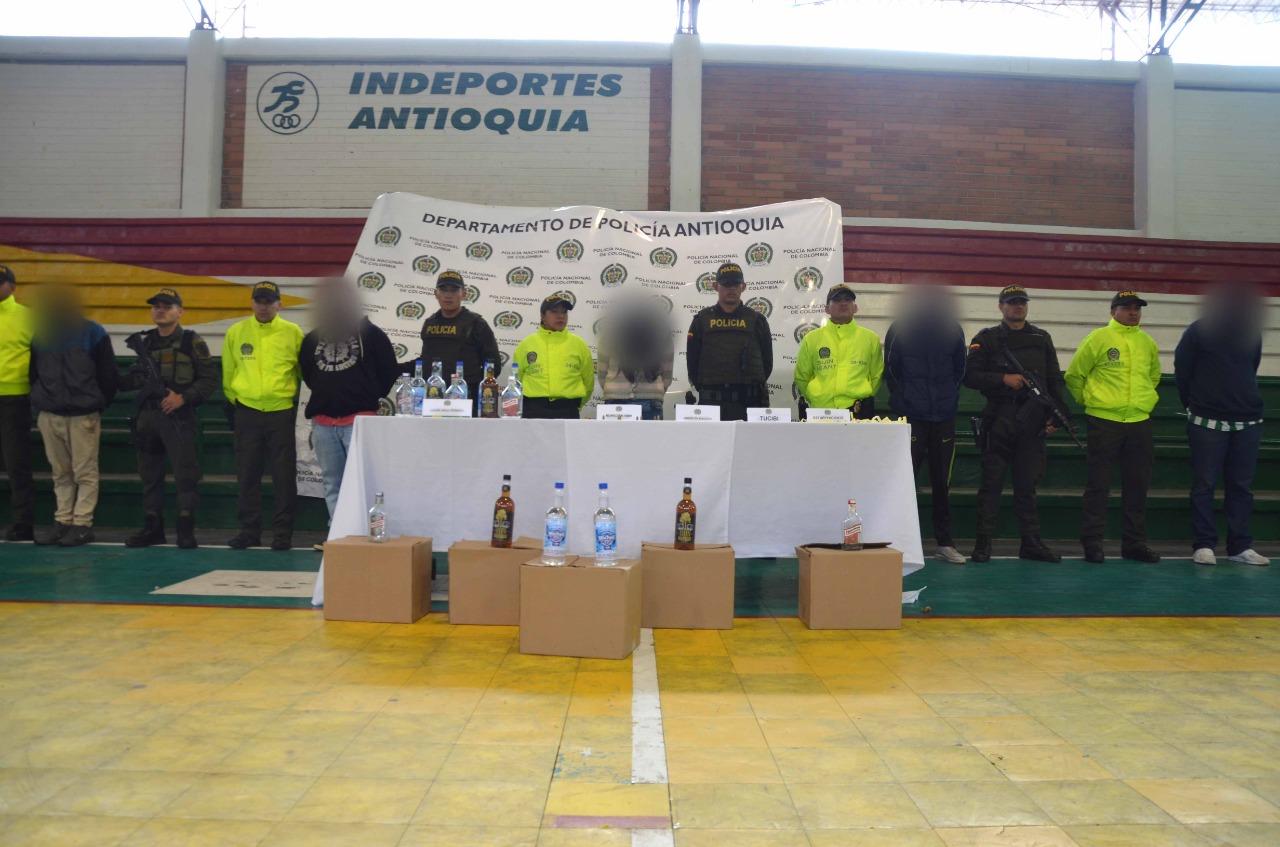 """Ocho capturados de la banda """"EL Mesa"""" deja allanamiento en Guarne"""