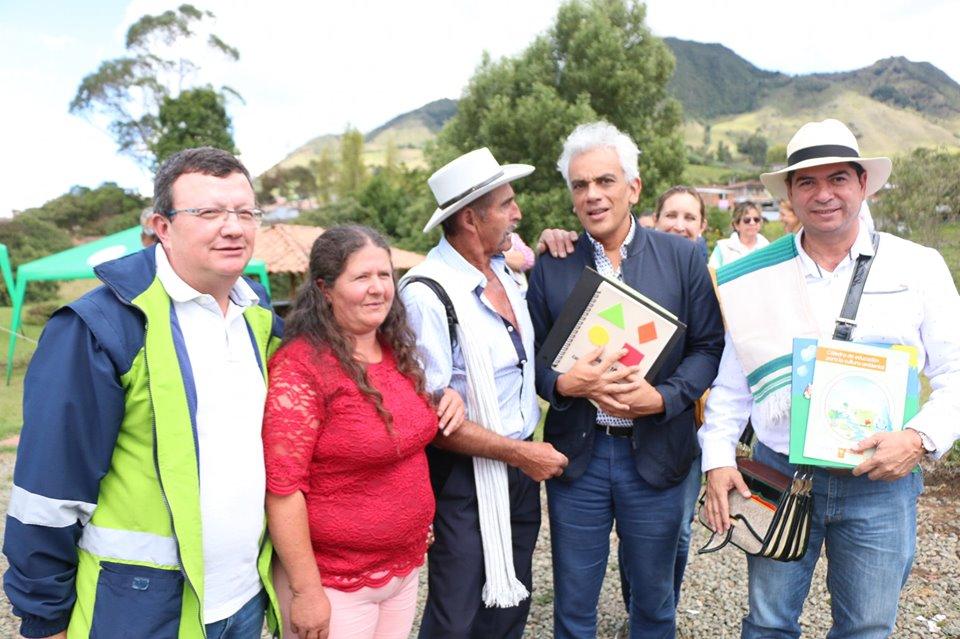 Ministro de Ambiente, Ricardo Lozano, estuvo visitando el municipio de Sonsón