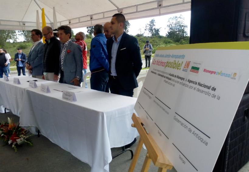Se firmó convenio para la ejecución de doble calzada en Rionegro