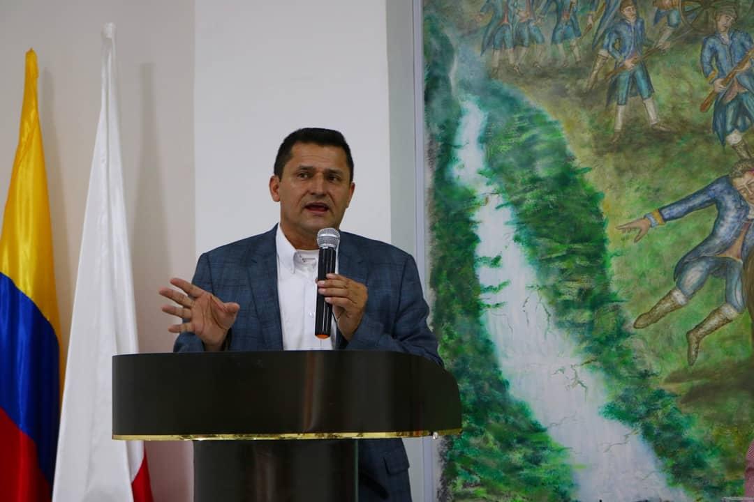 Suspenden el ex Alcalde de Rionegro, Hernán Ospina