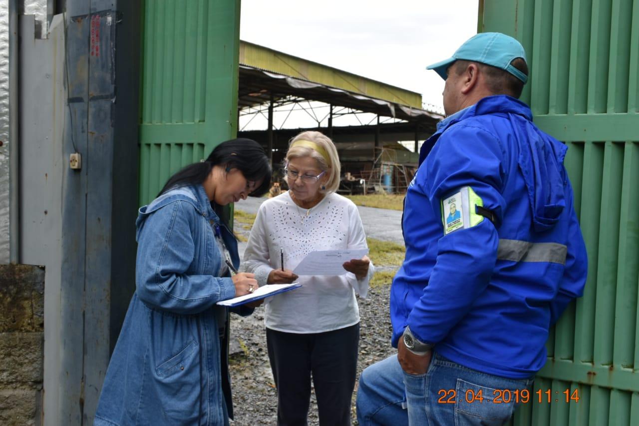 Empresas Públicas de La Ceja realizan control en vertederos de aguas residuales