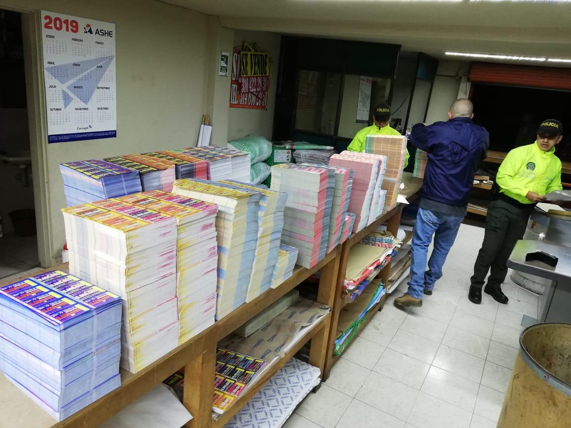 Capturan presuntos estafadores que vendían rifas ilegales en varios municipios