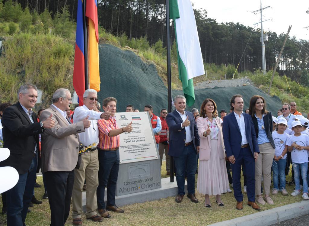 Hoy se inauguró el Túnel de Oriente, el más largo de Suramérica