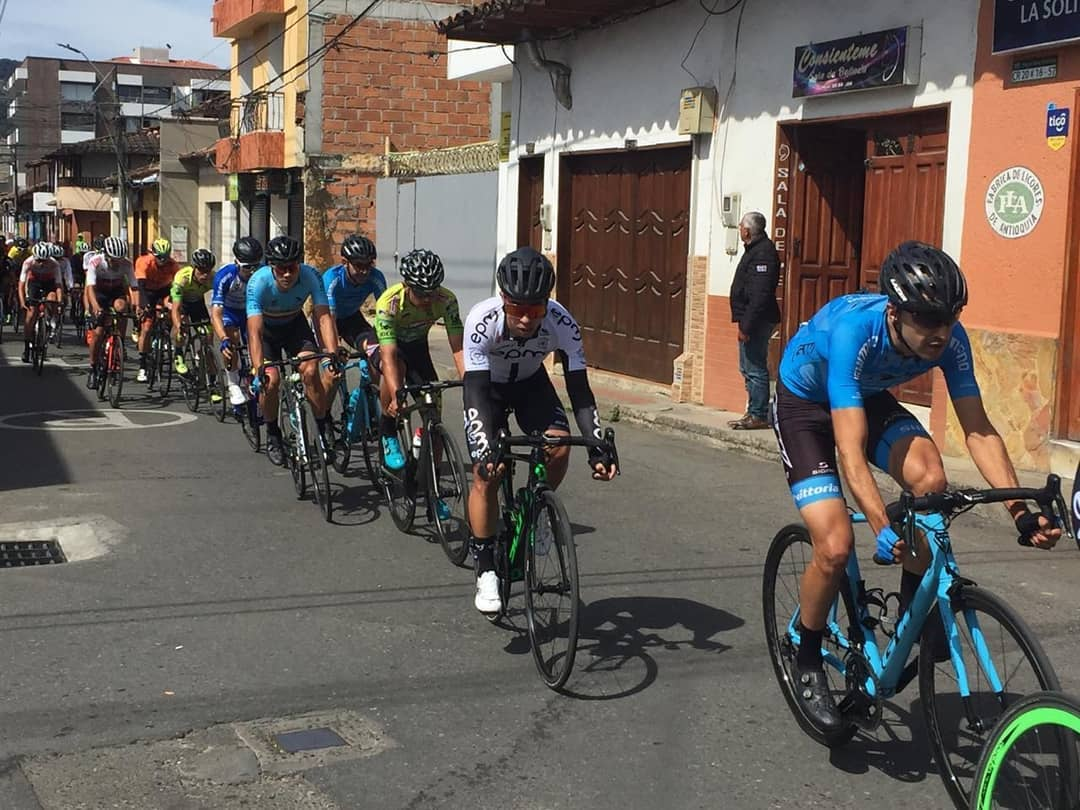 La Ceja vivió la Clásica de Ciclismo por las diferentes calles del municipio.
