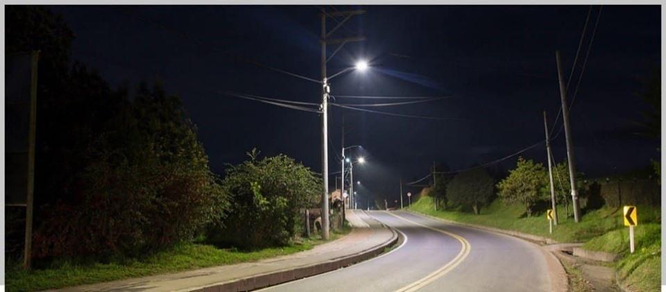 Con instalación de luminarias led y mejoramiento de vivienda, Edeso llegó hasta Guarne