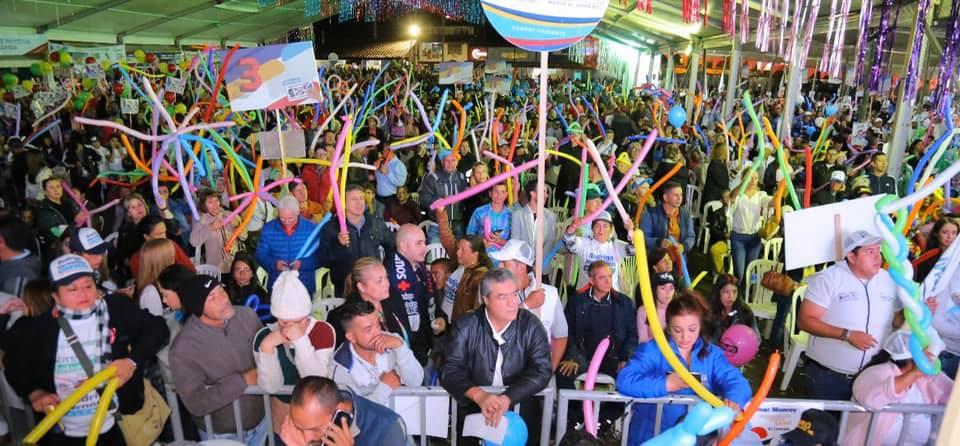 Cerca de 12 mil personas acompañaron a Rodrigo Hernández en su cierre de campaña