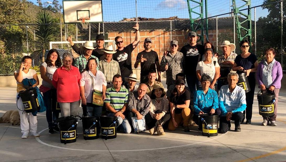60 familias de La Ceja recibieron filtros potabilizadores de agua