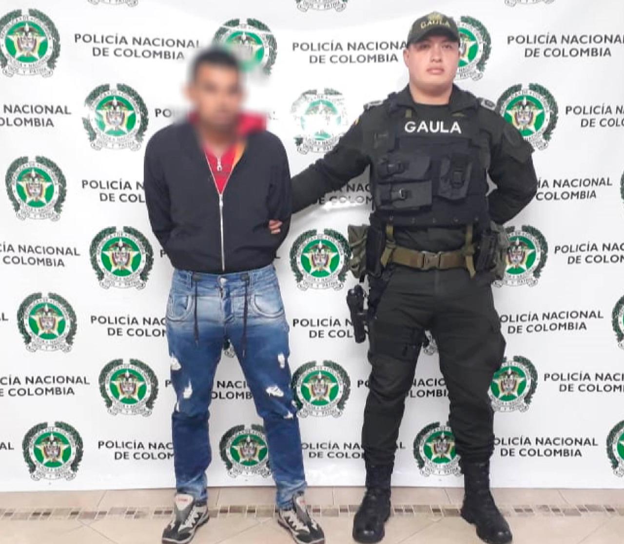 Capturan en La Ceja hombre que extorsionaba menores mediante sexting