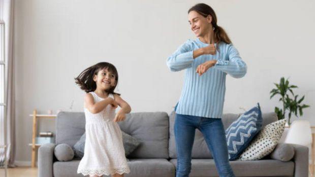 Con un Festival de talentos en casa, Entrecejayceja premiará la creatividad de las familias