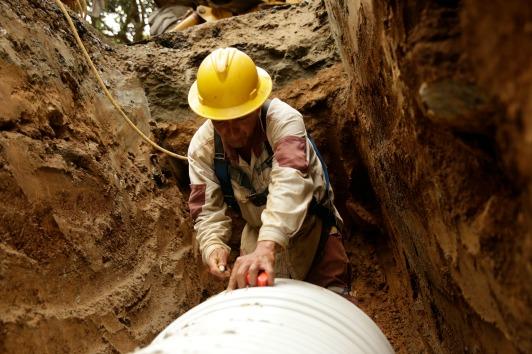 Por fuga en red de distribución de EPM, 800 usuarios en Rionegro recibirán agua potable en carrotanques