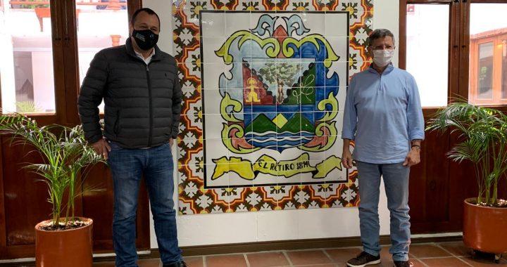 Alcalde de El Retiro presentó proyecto de remodelación del parque al Gobernador (e)