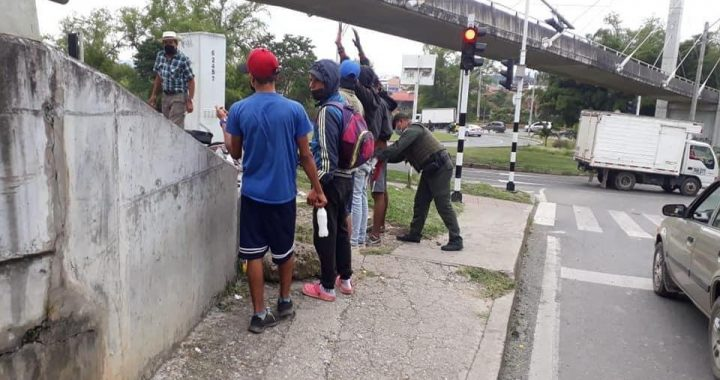 Controles de seguridad en semáforos de Rionegro tras varias denuncias