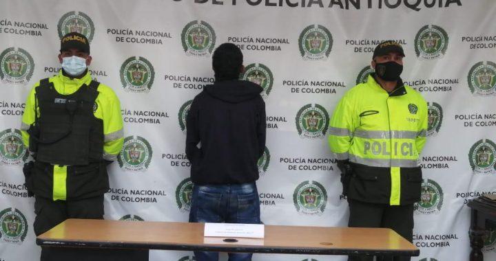 Autoridades de Policía frustraron hurto en una vivienda de Marinilla y capturaron al ladrón en el lugar