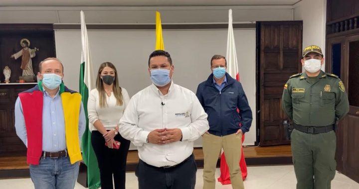 """""""Salimos bien librados"""": Alcalde de Rionegro superó el Coronavirus"""