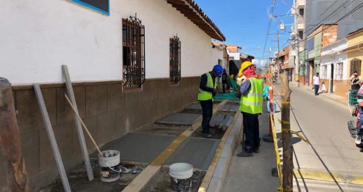 Intervienen cinco cuadras de andén en La Ceja por cumplimiento a acción popular