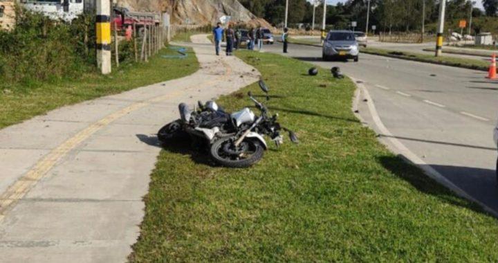 Grave accidente de tránsito deja un muerto y un herido en la vía Porvenir- Gualanday