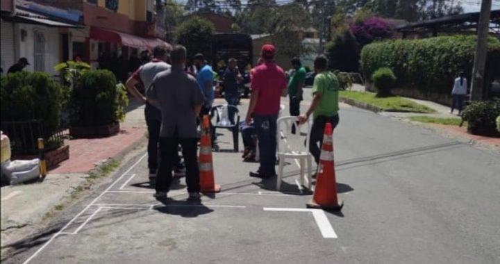 Habitantes del barrio El Porvenir en Rionegro se niegan a permitir la demarcación de Zonas de Estacionamiento Regulado