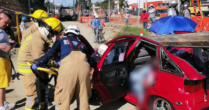 Un muerto y dos heridos dejó el desplome de un poste de energía en el sector Belén de Rionegro
