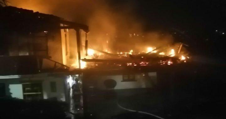 Globo de mecha incandescente provocó incendio de una casa en Rionegro