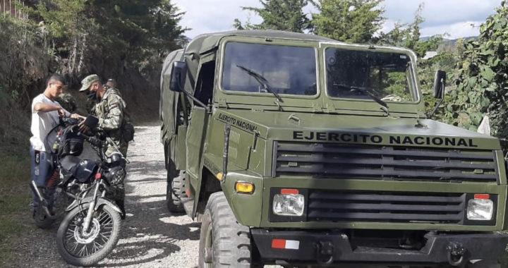 En Abejorral comenzaron patrullajes del Ejército con el uso de un vehículo militar Abir