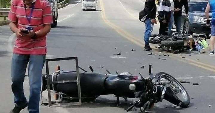 Gravemente lesionados dos motociclistas en accidente cerca al aeropuerto