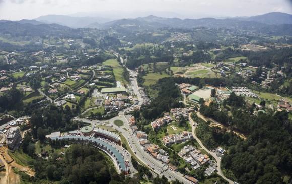 Doble calzada hacia Medellín desde Rionegro será una realidad y estaría lista en 2024