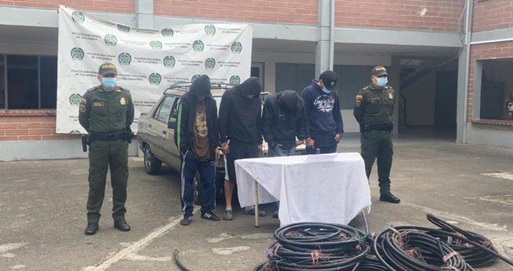¡Persiste el hurto de cable telefónico! Autoridades capturaron 4 sujetos en Rionegro