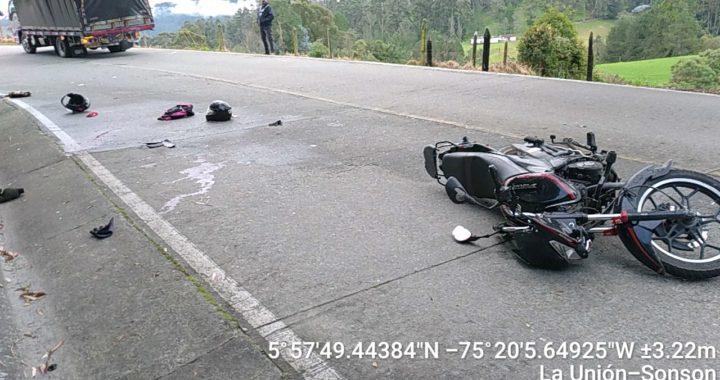 Dos heridos deja accidente en la vía La Unión – Sonsón.