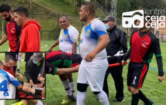 Alcalde de Marinilla se fracturó un pie, mientras jugaba fútbol.