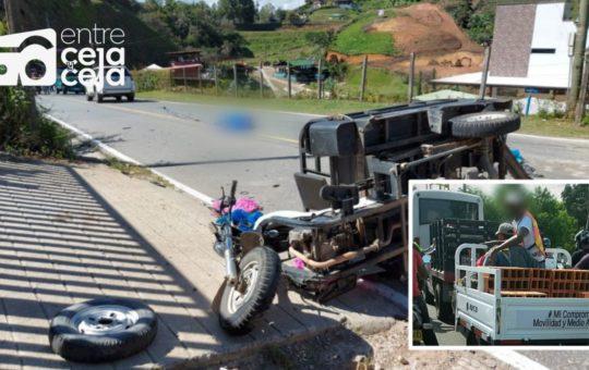Guatapé: Conductor de motocarguero falleció tras colisionar contra una camioneta.