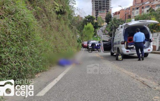 Una mujer falleció tras ser atropellada por un vehículo que huyó