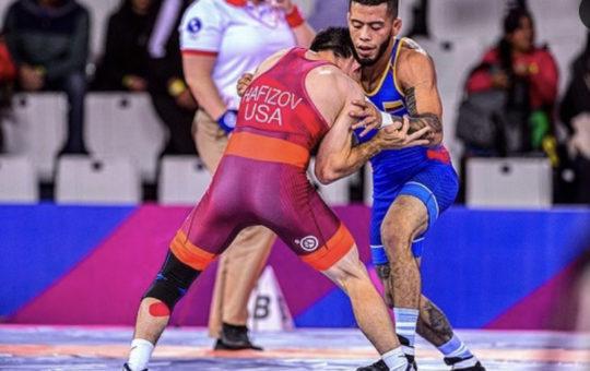Dicther Toro: Doblete de oro en Panamericano de lucha.