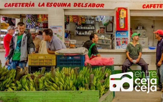 Por bloqueos, aumentan precios de algunos alimentos. Autoridades monitorean plazas de mercado.