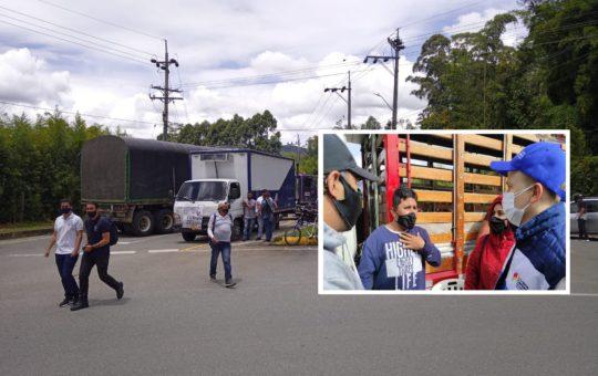 Comerciantes de La Ceja convocan a diálogo con manifestantes que bloquean el ingreso al municipio.
