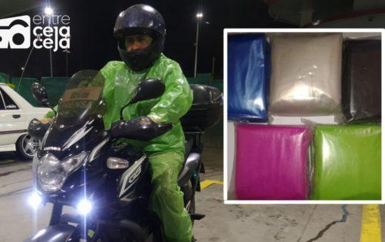 Motociclista: Por ola invernal los impermeables plásticos escasean.