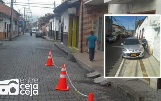 Congestión y vehículos mal estacionados en La Ceja ¿Quién tiene la culpa?