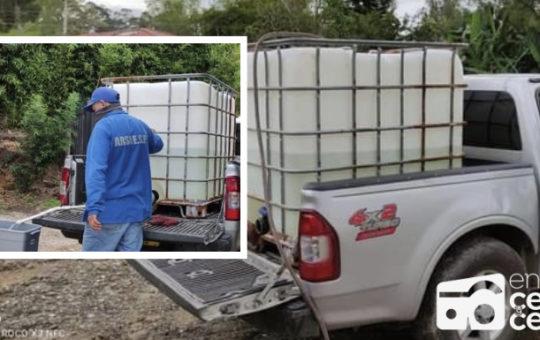 Con bidones ARSA E.S.P. suministra agua a varias veredas de Rionegro.