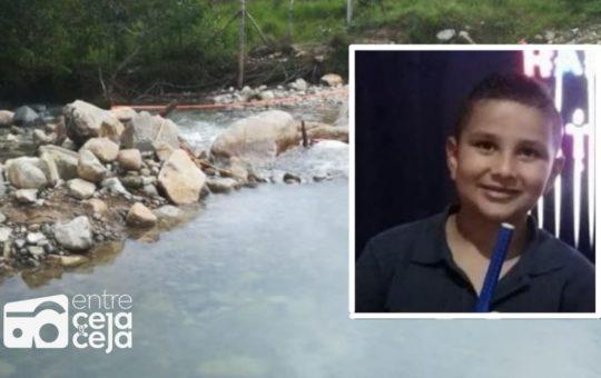 San Carlos: Mientras estaba con sus padres un niño se ahogó en balneario.