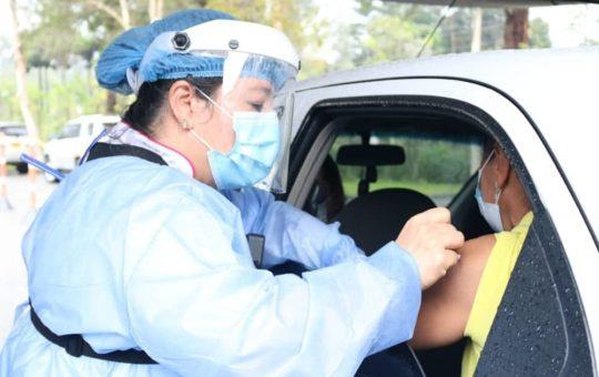 Rionegro: Ya se pueden vacunar contra el Covid personas desde los 50 años de edad.