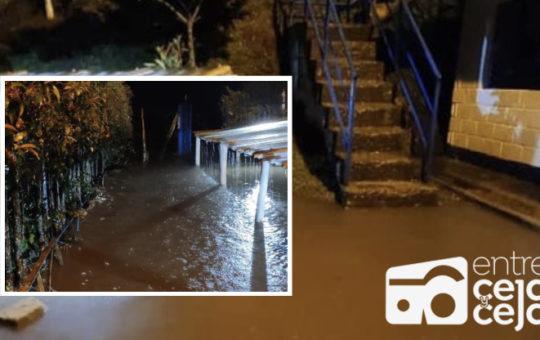 Por desbordamiento de quebrada, habitantes de Río Abajo- Los Pinos en Rionegro, recibirían el agua con turbiedad.