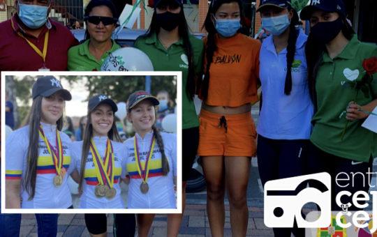 Regresaron a El Carmen las medallistas nacionales de ciclismo.