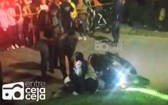 La Ceja: En el barrio Tahamí sicarios asesinaron a un motociclista.