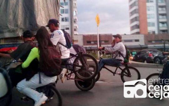 ¡No aprenden!: Siguen las denuncias por practica de «Gravity Bike»en las vías.